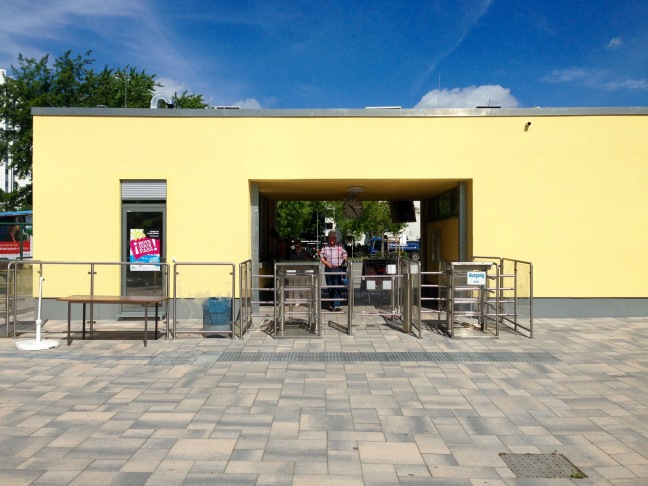 eingang-sommerbad-gropiusstadt